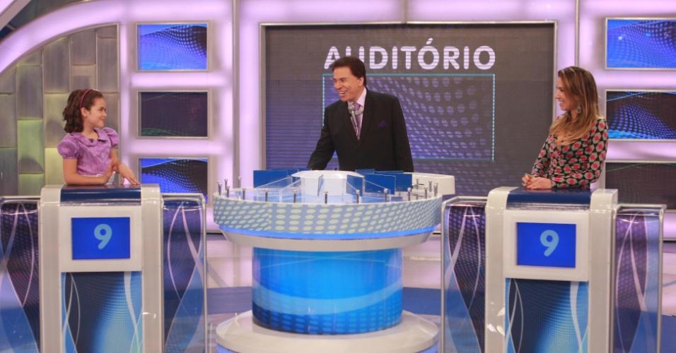 Silvio Santos recebe Maisa e Patricia Abravanel no