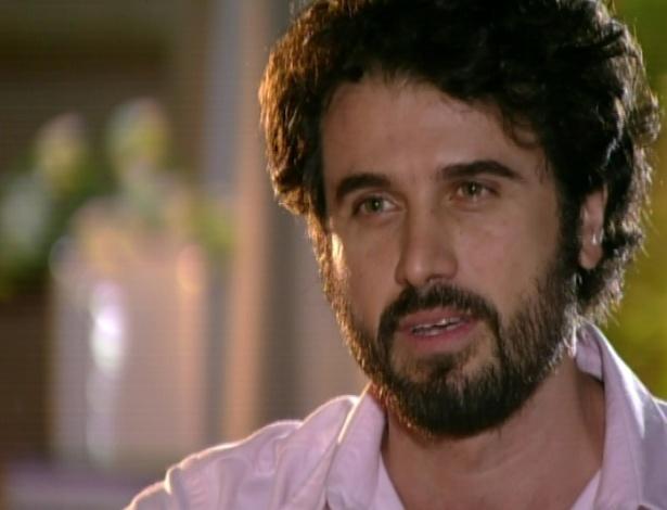 Gabriel vai à casa de Manu para terminar o relacionamento