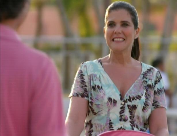 Uma nova mulher aparece na vida de Marcos, Ligia, que se encanta com o fato de ele ser um pai atencioso