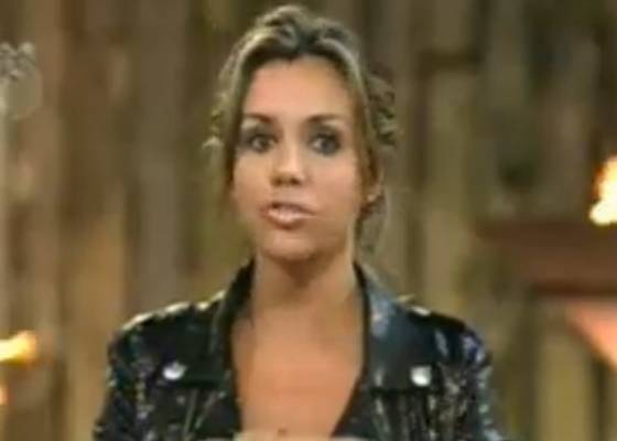 Renata conversa com Britto Jr durante eliminação nesta quinta-feira (28/7/11)