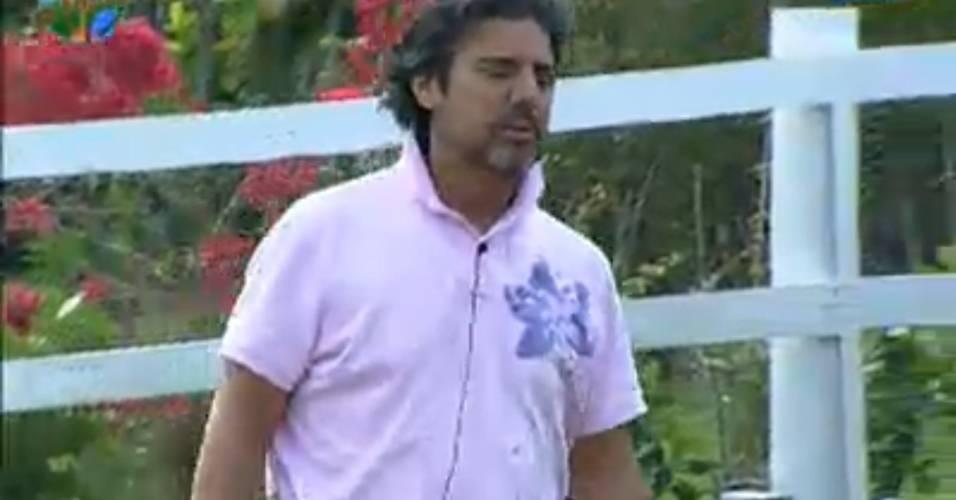 Fazendeiro João Kléber avisa qual a segunda punição do dia (30/7/11)
