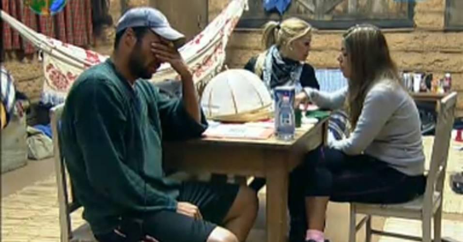 Raquel e François se desentendem na manhã desta quinta-feira (04/8/11)