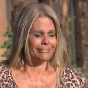 Monique chora de saudade do pai (12/8/11)