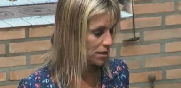 Anna chora após briga com Gui (15/08/11)