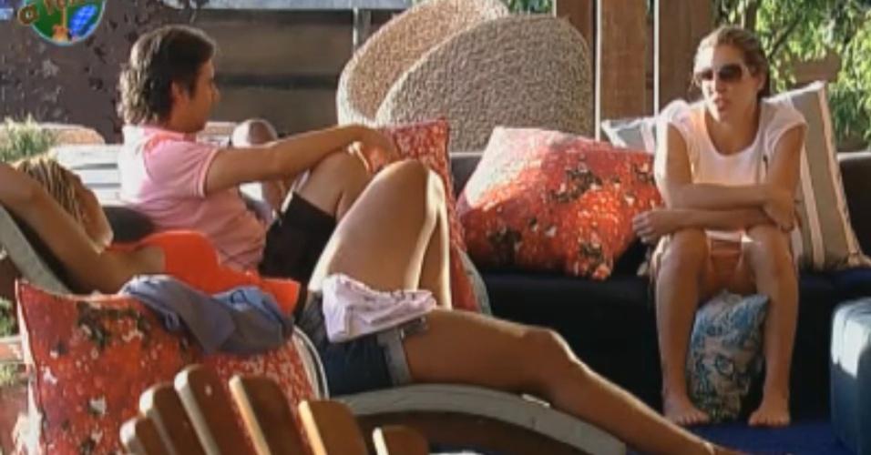 Peões são contrários à volta da amizade de Gui e Anna (16/8/2011)