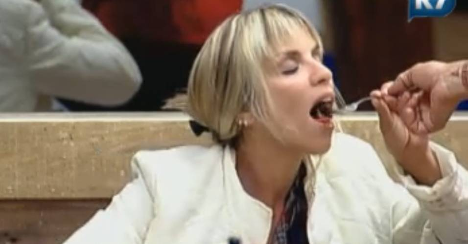 Anna Markun come carne do garfo de Marlon (20/8/2011)