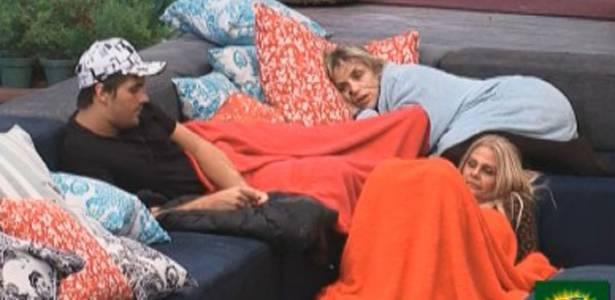 Anna, Monique e Thiago falam sobre Dani Bolina (22/08/11)