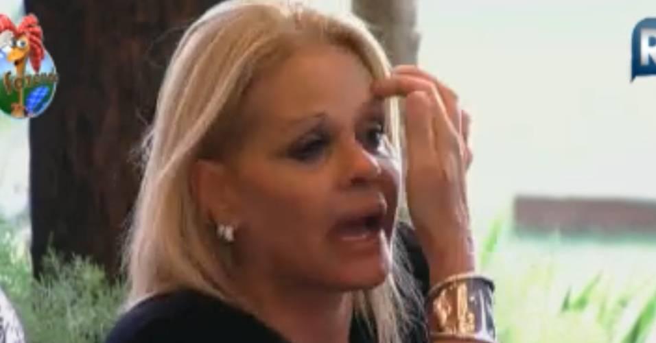 Monique Evans não poupa críticas ao inimigo Gui Pádua (23/8/2011)
