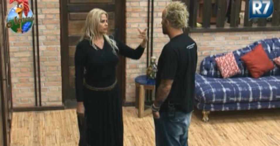 Gui Pádua conversa com Monique Evans (04/09/2011)