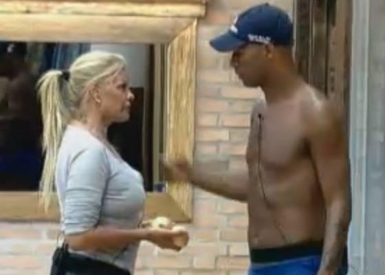 Monique e Dinei fazem as pazes (04/9/11)