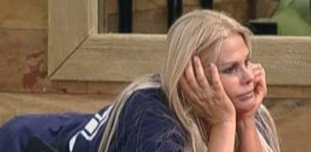 Monique não aguenta mais lidar com Compadre (04/09/11)