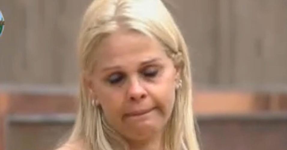 Monique não está se sentindo bem (10/09/2011)