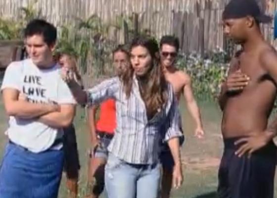 Zootecnista Fernanda dá bronca em peões (12/09/2011)
