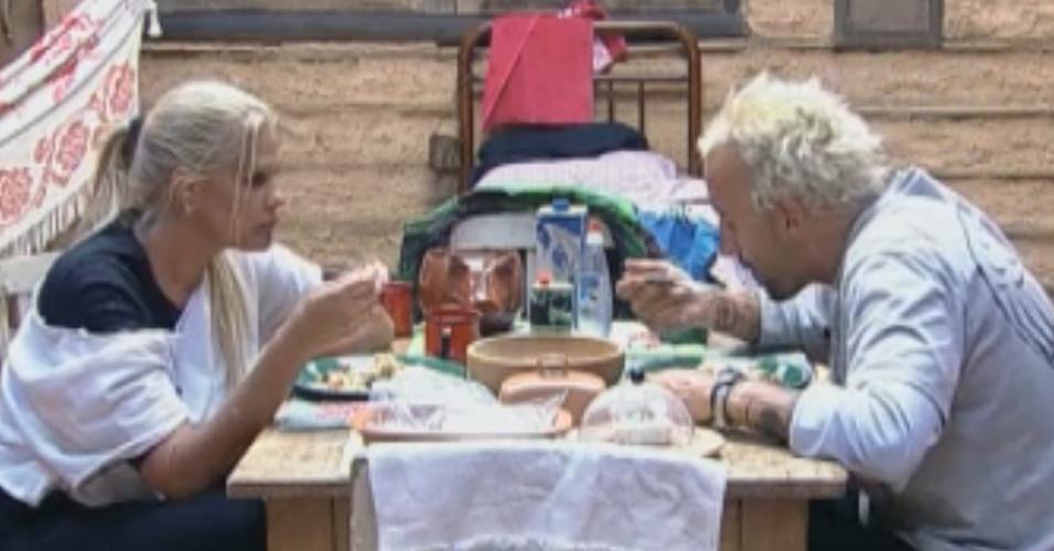 Monique Evans e Gui Pádua conversam na Roça (14/9/11)