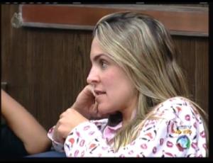 Joana ensaia recado ameaçador para Gui Pádua (16/9/11)