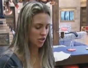 Joana Machado ainda está revoltada com Gui Pádua (16/09/2011)