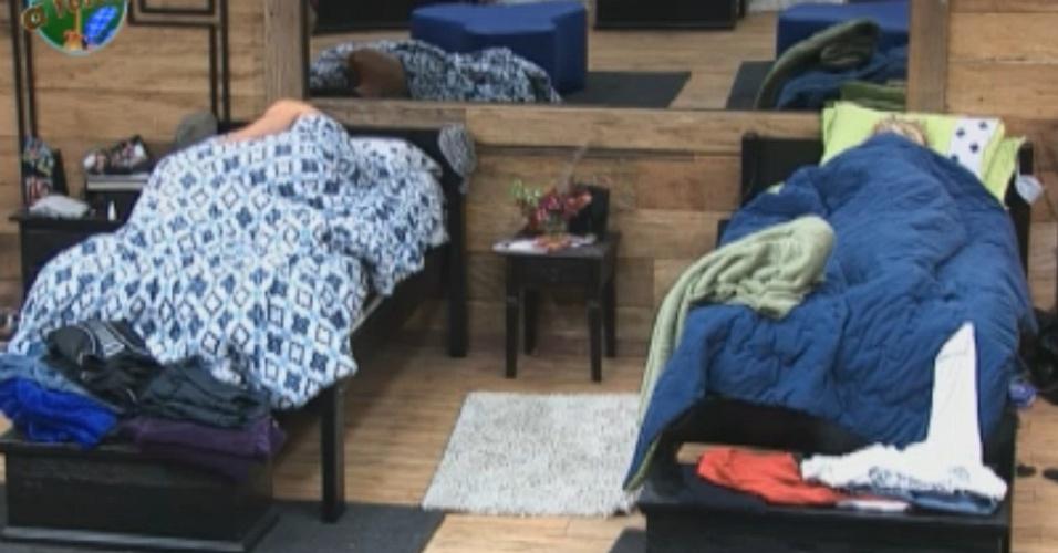 Peões dormem no começo da noite (17/09/2011)