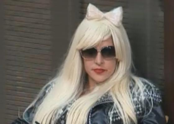 Joana se veste como Lady Gaga (19/9/11)