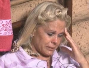 Monique Evans chora mais uma vez (22/09/2011)