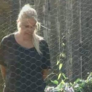 Monique Evans conversa com as aves do confinamento (22/9/11)