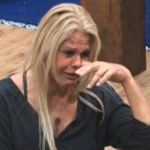 Monique relembra gravidez e chora (24/9/11)