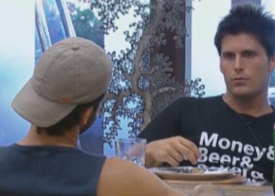 Thiago critica e elogia Gui Pádua durante o café-da-manhã (27/9/11)