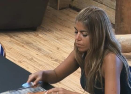 Raquel Pacheco fala mal de Joana Machado Falta humildade. (02/10/11)