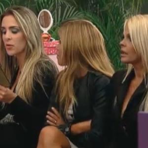 Mulheres conversam sobre atributos dos peões (07/10/11)