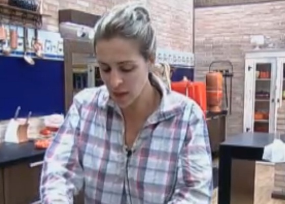 Joana prepara almoço(11/10/11)