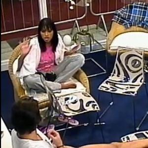 """Ariadna disse a Mauricio, na casa de vidro, que Maria era """"garota de programa"""", mas a cena não foi exibida pela Globo no BBB"""