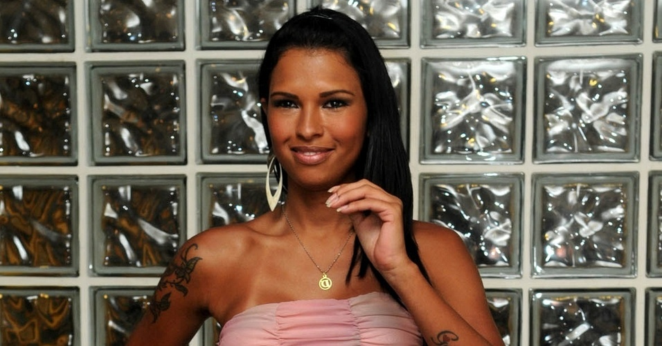 "Ariadna deixa o ""Big Brother Brasil"" (18/1/11)"