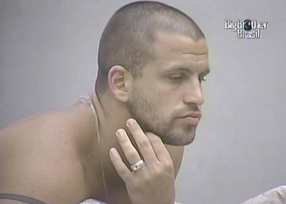 Diogo diz que Paula é falsa e se finge de inocente (20/2/11)