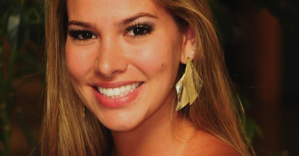 Na saída do programa, Adriana disse que foi uma experiência maravilhosa e que está muito feliz (22/2/11)