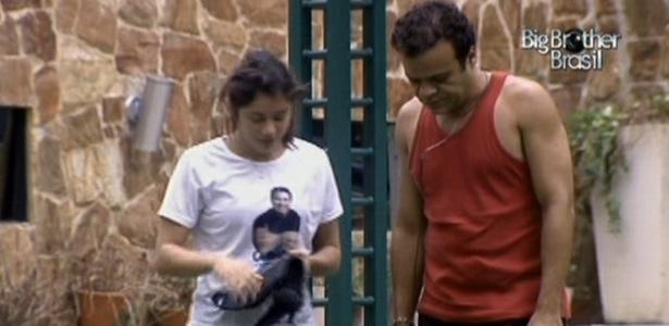 Sonolentos, Maria e Daniel cumprem castigo do monstro na tarde deste domingo (13/3/11)