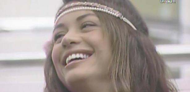 Maria ri de Daniel e Diana durante papo sobre masturbação no quarto do líder (14/3/11)