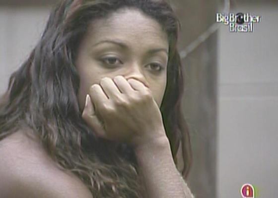 Jaqueline admite a Daniel que está ansiosa com o programa de eliminação desta terça-feira (15/3/11)