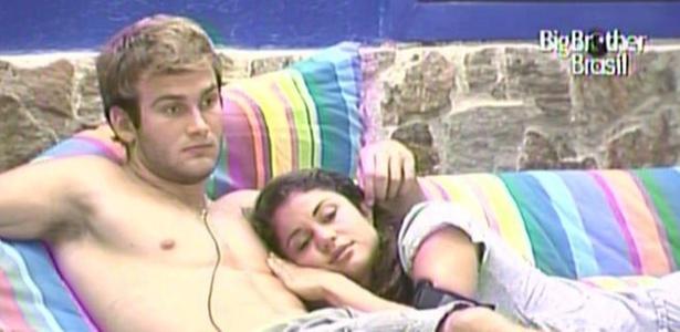 Wesley e Maria conversam sobre reação de Mau Mau ao romance dos dois (16/3/11)