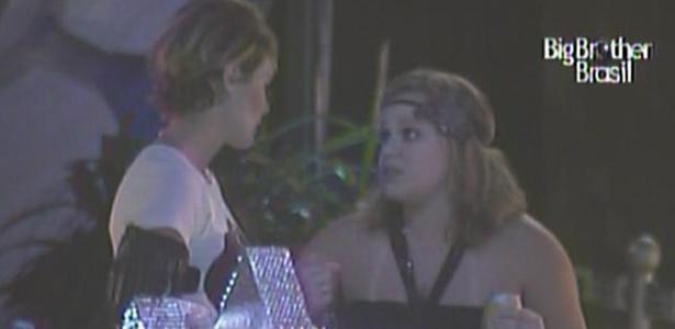 Diana pressiona Paula e enche a estudante de perguntas durante balada do BBB11 (17/3/11)