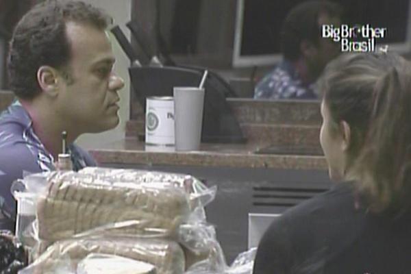 Maria diz para Daniel que está indo devagar com Wesley (17/3/11)