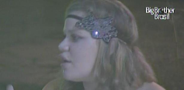 Paula conta para Maria que desconfiança de Diana a magoou (17/3/11)