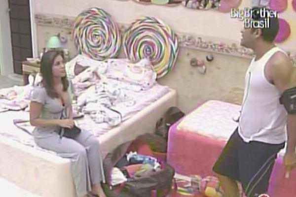 Maria diz que Paula mudou com ela após indicação para o paredão (18/3/11)