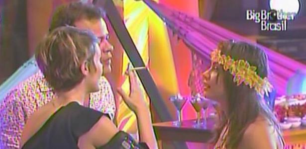 Diana pergunta para Daniel e MAria se eles acham que ela continua no BBB11 (20/3/11)