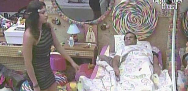 Maria tenta levar Daniel de volta para a festa, mas o pernambucano diz que sua noite já acabou (23/3/11)