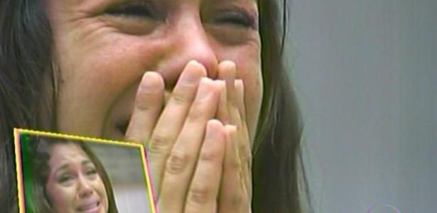 Maria se emociona ao ver retrospectiva de sua participação no BBB11 (29/3/11)