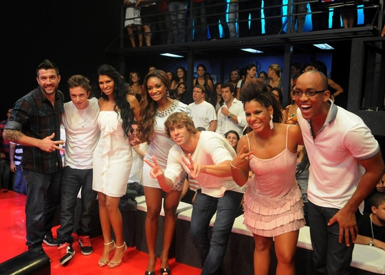 "Eliminados do ""Big Brother Brasil 11"" passaram a final do reality à beira do palco (29/3/11)"