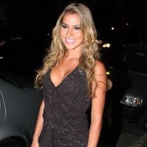 Festa: Veja Adriana e outros bbbs no lançamento da loira na VIP
